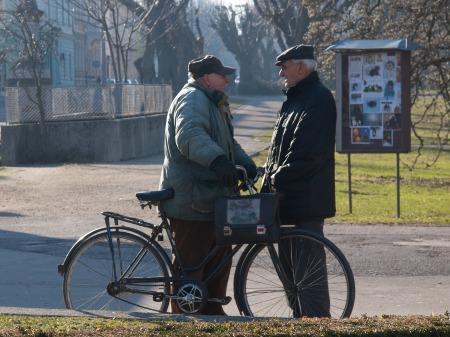people-talking-908342_1920.jpg