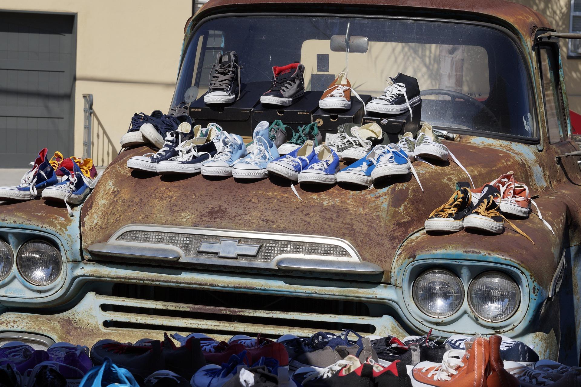 shoe-sale-973517_1920.jpg